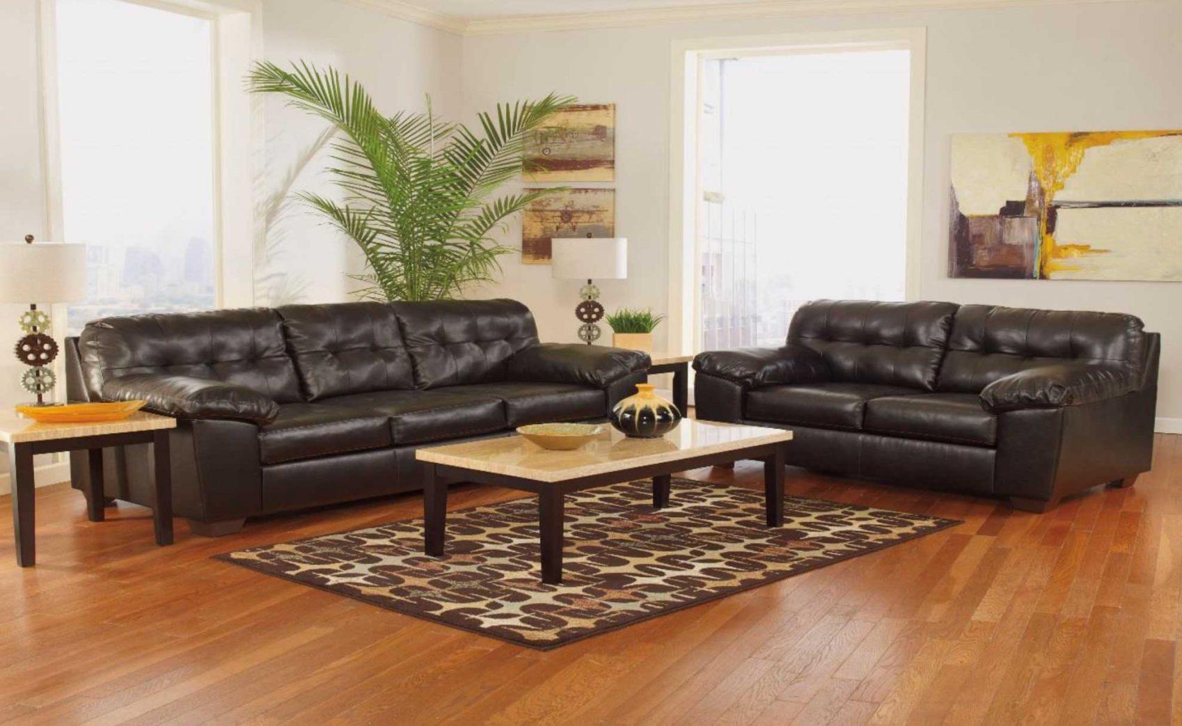 Deluxe Living Room 2